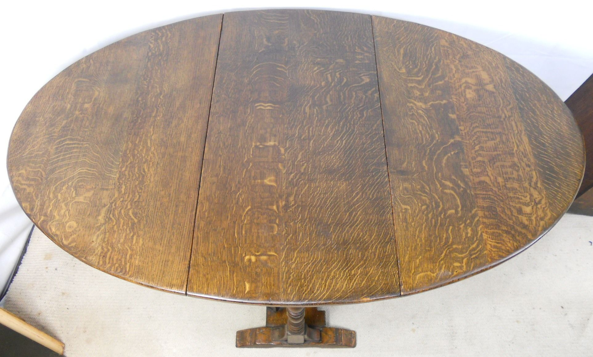 Large Heavy Quality Antique Style Oak Dropleaf Dining Table To Seat Six